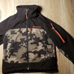 Other - Boys medium weight winter jacket size 5, 6 Camo